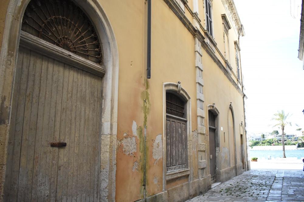 Brindisi Alleyway