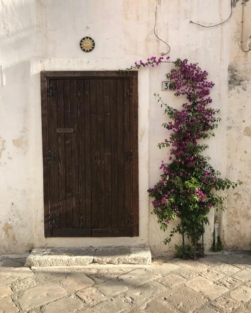 Leverano Entranceway